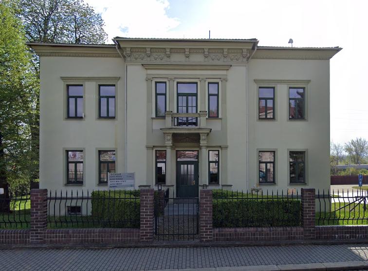 Chvostkova vila